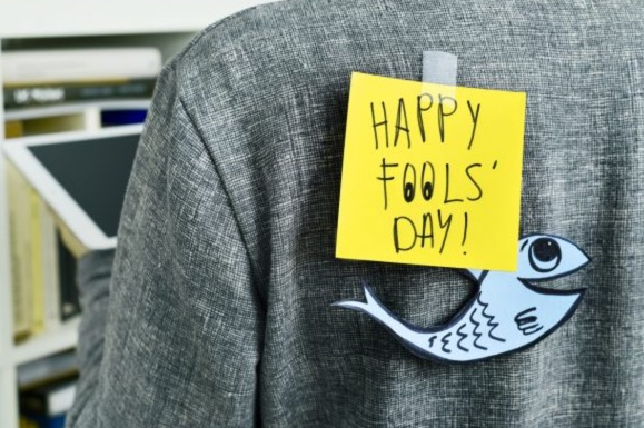 happy fools day sticky note prank
