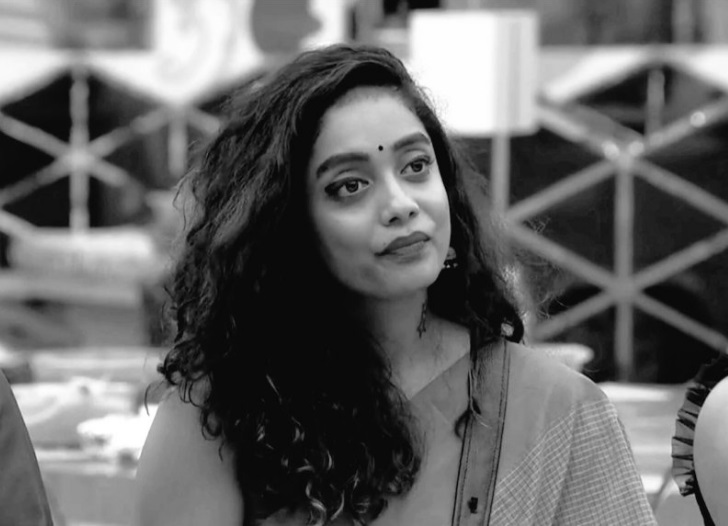 Bigg Boss Tamil 3: Abhirami Bids Good Bye To Bigg Boss House